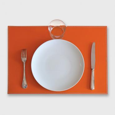 Place mat in leather UNO