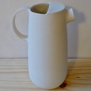 Pitcher or vase in porcelain