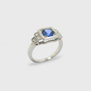 Ring Art deco inspiration, white gold and Sapphire