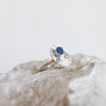 Oval ring in Blue concrete and silver
