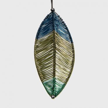 Long necklace Plume olive green