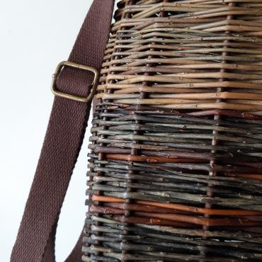 Messenger bag in osier with a brown cotton strap