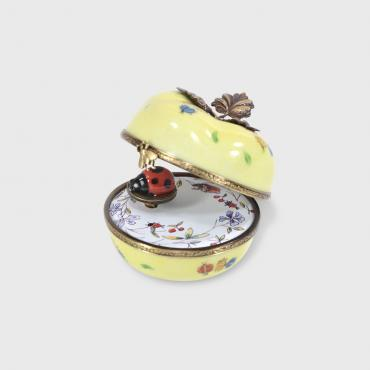 Music box Yellow Apple