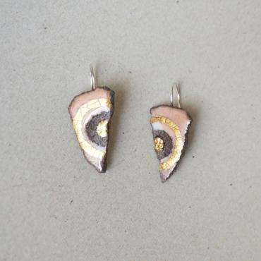 Triangular earrings old rose and touches of gold