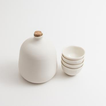 Set of a Sake bottle with mini cups