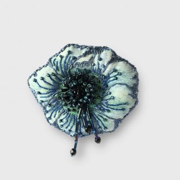 Brooch Anémone Blue and black