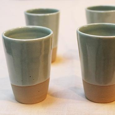 Set of 4 water/coffee cup celadon and raw clay