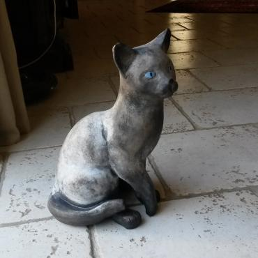 Sculpture chat gris