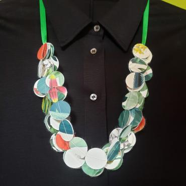 Necklace 150 pastilles