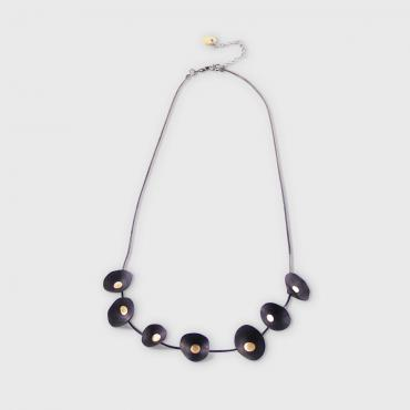Collier Coquillages noir et or