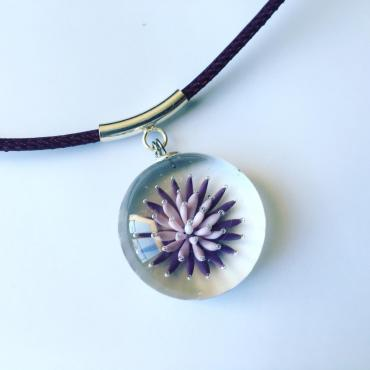 Collier implosion violet