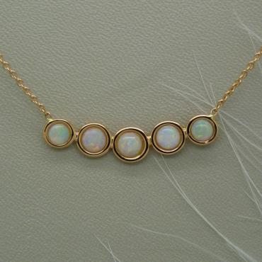 Collier Opalescence