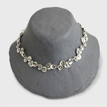 Adjustable necklace in silver tin