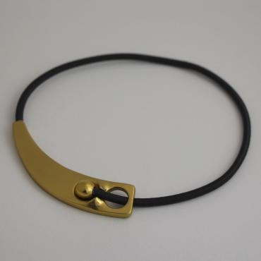 Necklace golden, magnetic fastening