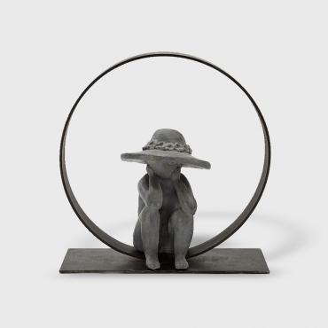 Sculpture Little girl with hat