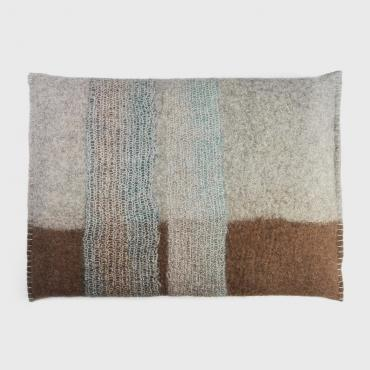 Mesh and felt cushion blue/brown tall