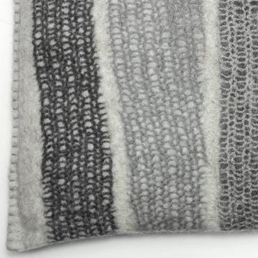 Mesh and felt cushion Grey small