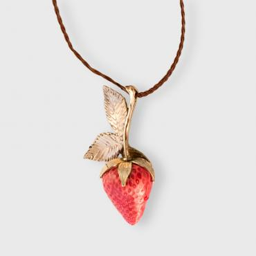Long necklace Strawberry