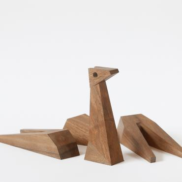 Girafe en bois, collection MUZO