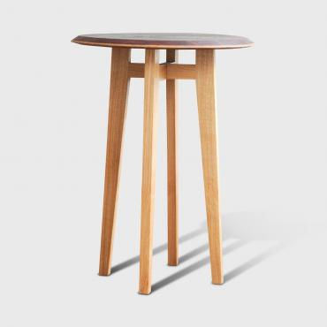 Pedestal table Barrique