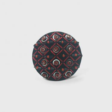 Magnetic brooch roche aimantée Grille Rouge