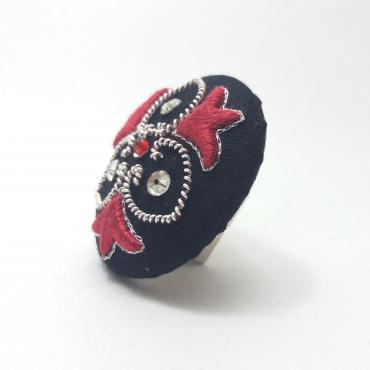 Magnetic Brooch Trio Rouge