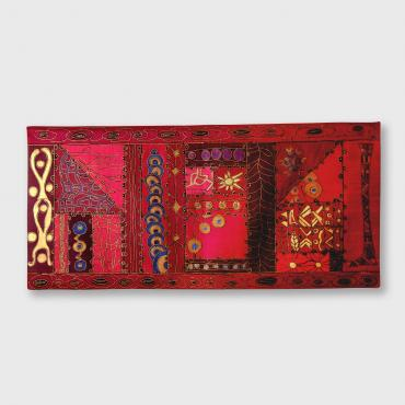 Wall hanging in silk Mon nom est Rouge