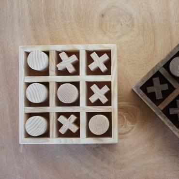 Tic tac toe in wood