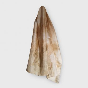 Scarf in silk ocre