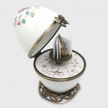 Music box papillon blanc
