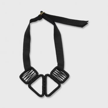Collier tissé court carbon