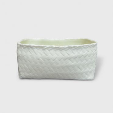 Small porcelain basket