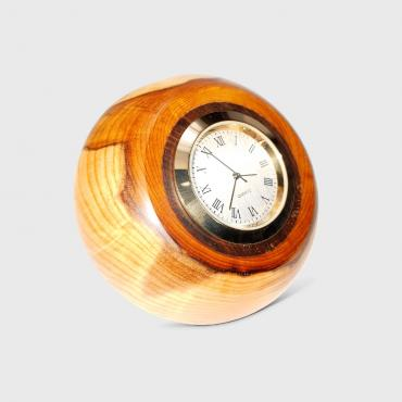 Small desk clock in yew and rosewood 2