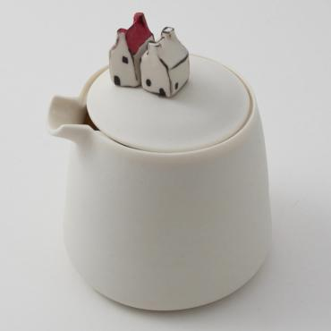 Small milk pot