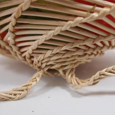 Small basket in wicker