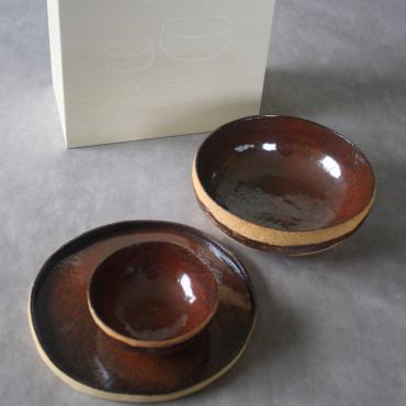Case 2 Bowlws + 1 Plate and box