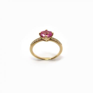Solitaire pink sapphire