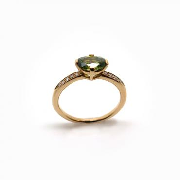 Solitaire green sapphire