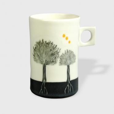 Cup Arbres black and yellow dots