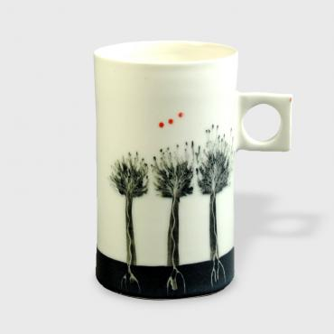 Cup Arbres black red dots