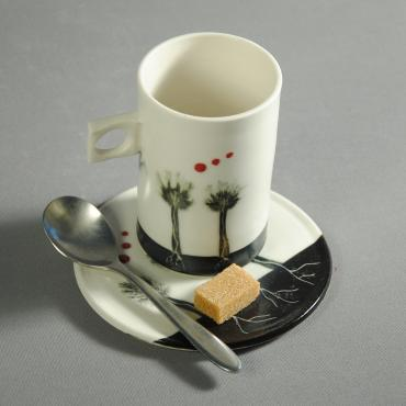 Tasse Arbres noirs points rouges