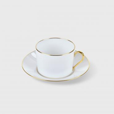 Teacup and its plate, straight shape